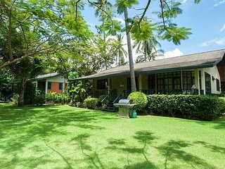 2 Bed Villa - Fantastic Location with pool- Easy walk to Restaurants and beach - Rawai vacation rentals