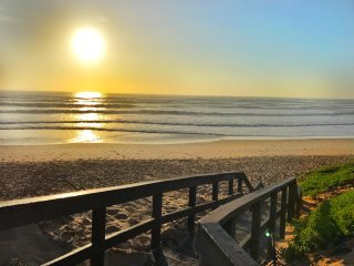 Island Way Beach House 9 - Self Catering Apartment - Sleep 8 sharing - Summerstrand vacation rentals