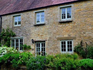 Wonderful 1 bedroom House in Nether Westcote - Nether Westcote vacation rentals