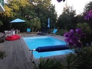 Maison de charme avec piscine, proche Biarritz - Arcangues vacation rentals