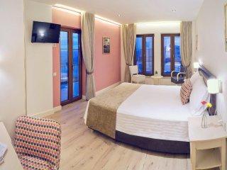 Arktos Boutique Hotel -Superior Suite with balcony - Ligkiades vacation rentals