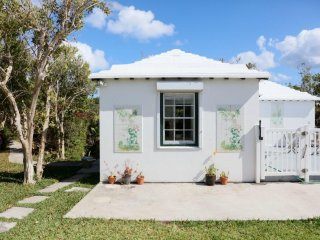 Quaint Pool Cottage in Garden Setting - Paget vacation rentals