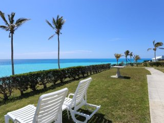 One bedroom only Steps from a Private Beach - Southampton vacation rentals