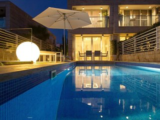 Luxury Villa with pool in front of the beach - Petrcane vacation rentals