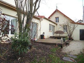 Maison  familiale dans une ville pittoresque 20km de Paris - Yerres vacation rentals