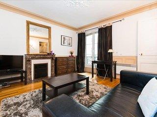 Lauriston Studio apartment in 16ème - Bois de Boulogne - Trocadero with WiFi - Paris vacation rentals