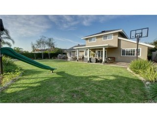 25 minutes from Disneyland, Beaches, Airports. HUGE backyard - Very kid friendly - Yorba Linda vacation rentals