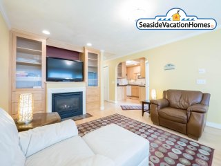 1440 Beach Dr - HOT TUB - 200ft to Beach - Seaside vacation rentals