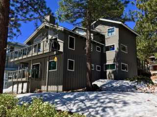Lake Tahoe Views! Pool table, Hot tub, WIFI, HDTVs - Incline Village vacation rentals
