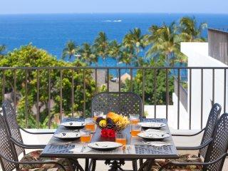 Royal Sea Cliff 707. 2/2 Panoramic ocean view 5⭐️ Reviews. 10%off June/July/Aug - Kailua-Kona vacation rentals