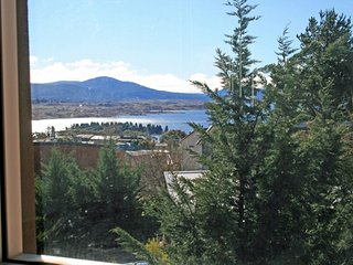 Ilford House - Premium Quality & Comfort, Great Views & Location - Jindabyne vacation rentals