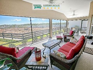 Golf Cart. Oversized. Overlooking Nature Preserve. 2,500 sq/ft. Designer. - The Villages vacation rentals