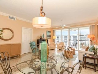 Special Summer Rates, Penthouse Condo, Stunning Views, Heated Pool, Short - Fort Myers Beach vacation rentals