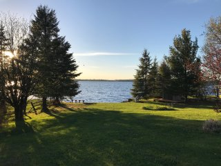 4bd/2ba Lake Home on Island Lake, Gourmet Kitchen, Nice Beach, Newly Remodeled - Duluth vacation rentals