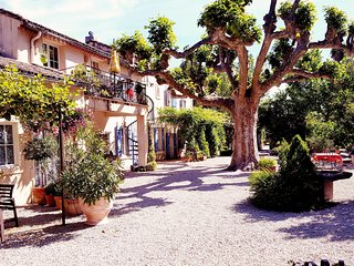 St.Remy-18th century provencal estate/Pool/AC/WIFI - Saint-Andiol vacation rentals