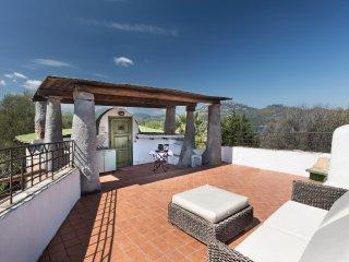 VILLA PENTHOUSE CON PISCINA - Porto Rotondo vacation rentals