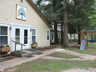 Cabin Retreat on Waupaca's Chain O'Lakes #1 - Waupaca vacation rentals