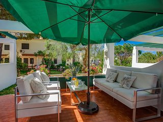 Falesia Beach 2 bedroom Townhouse with pool - Olhos de Agua vacation rentals