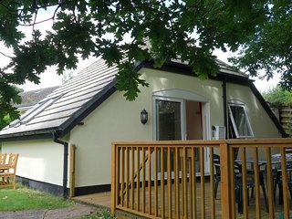 Detached Holiday Cottage with shared pool - Highampton vacation rentals