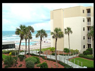 Oceanview 1 Bedroom-Great Rates and Great Reviews - New Smyrna Beach vacation rentals