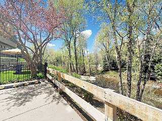 Remodeled 3BR Condo – 2 Blocks to Downtown; Near Skiing & Free Shuttle - Aspen vacation rentals