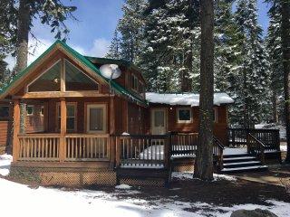 (#32) Cabin at Hyatt Lake - Large Deck - Sleeps 6 - Ashland vacation rentals