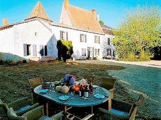 Brilliantly Restored France Villa in Aquitaine - La Ferme de la Dronne - Chenaud vacation rentals