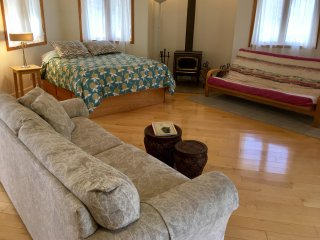 The Cottage at Grizzly Peak Winery - Sleeps 4 - Ashland vacation rentals