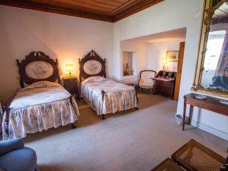 Quinta da Alcaidaria Mor - D. Maria Room - Ourem vacation rentals