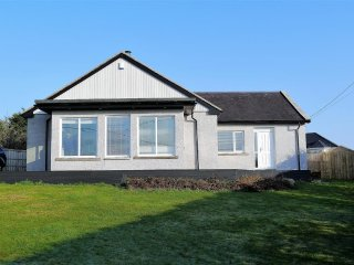 Beautiful Cottage with Internet Access and Washing Machine - Rockcliffe vacation rentals