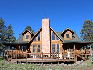 R & R Ranch - Log Cabin Retreat on 20 Acres....50 Miles S of the Grand Canyon! - Williams vacation rentals