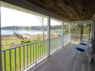 Gorgeous waterfront Maine Cottage with private dock - Spruce Head vacation rentals