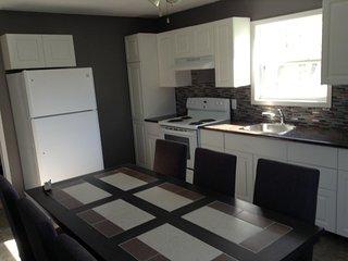 Cozy three bedroom cottage very close to the Shediac Marina and Parlee Beach. - Shediac vacation rentals