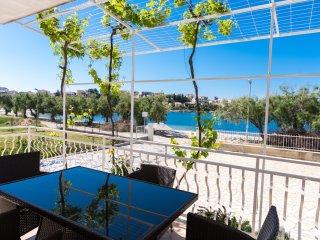 NEW BEACH 4 STAR LUXURY APARTMENT 2 BEDROOMS 2 BATHROOMS, FREE BOAT BERTH - Trogir vacation rentals