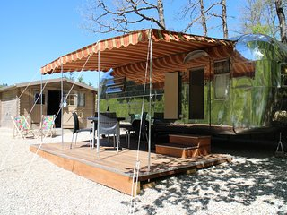 Nice Caravan/mobile home with Deck and Internet Access - Rennes-les-Bains vacation rentals