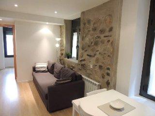 Perfect 2 bedroom Bellver de Cerdanya Apartment with Television - Bellver de Cerdanya vacation rentals