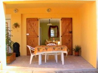 Agréable appartement indépendant - Laure-Minervois vacation rentals
