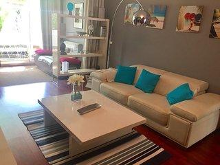 Romantic 1 bedroom Apartment in Saint-Gilles-Les-Bains - Saint-Gilles-Les-Bains vacation rentals