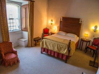 Quinta da Alcaidaria-Mor - D. Infanta Room - Ourem vacation rentals