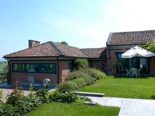 Perfect 5 bedroom Agliano Terme House with Shared Outdoor Pool - Agliano Terme vacation rentals