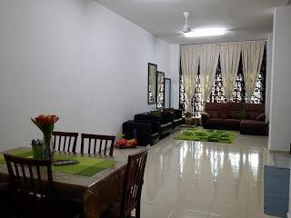 AlHijrah GuestHouse Parit Raja Batu Pahat, 2 storey tarrace near UTHM - Batu Pahat vacation rentals