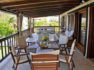Cozy Agios Gordios vacation Apartment with A/C - Agios Gordios vacation rentals