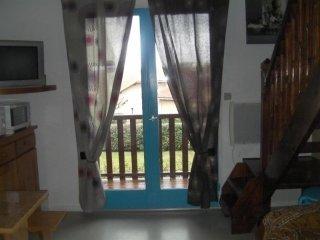 Adorable 1 bedroom Condo in Biscarrosse with Balcony - Biscarrosse vacation rentals