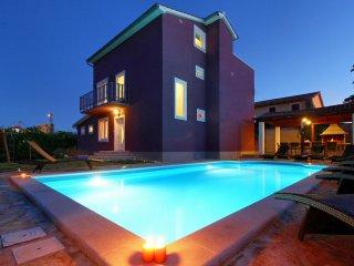 Elegant villa with Pool close to Porec and Novigrad - Tar vacation rentals