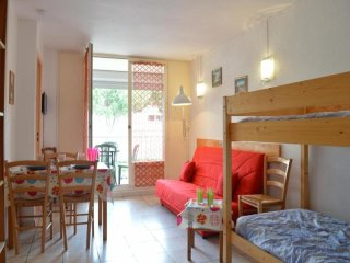 Cozy 1 bedroom Le Grau Du Roi Apartment with Television - Le Grau Du Roi vacation rentals