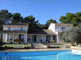 Beautiful large villa in South France for rent with pool sleeps 10-12 people - Uchaud vacation rentals
