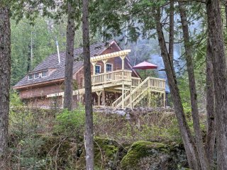 Newly Renovated! Serene 3BR + Loft Mountain Cabin Surrounded by National Forest w/Oconto River Access, Private Dock, 2 Decks & More - A Totally Off-The-Grid, Eco-Friendly Escape! - Mountain vacation rentals