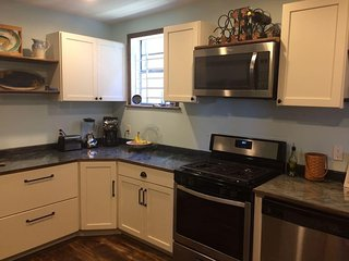 New Orleans Charmer in convenient location - New Orleans vacation rentals