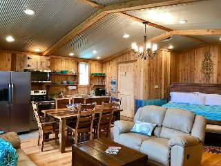Cabin and Private Indoor Basketball Gym, Hocking Hills - Logan vacation rentals