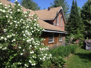 country charm rooms for rent inside main home----1 cabin to rent as well - Severn Bridge vacation rentals